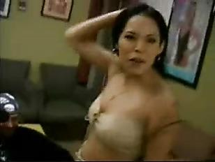 Женас любовником унижает мужа видео