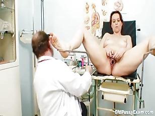 Unpretty mature wife at pervy