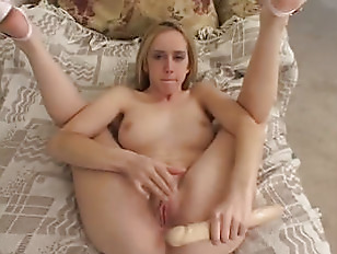 Picture HOT Scenes With 20y-Girls