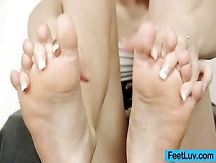 Picture Cute Blonde Ruth Bare Feet Show And Footjob