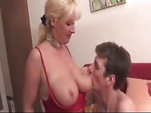 Женский струйный оргазм