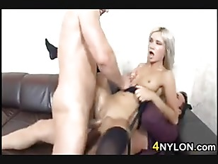 Picture Sexy Blonde In A Threesome