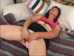 Picture Amazing Mature Woman Masturbating Before Blo...