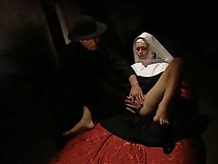 Реальное видео подсмотренной женской мастурбации
