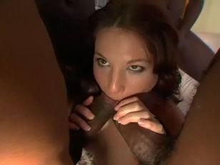 Порно зрелая в короткой юбке