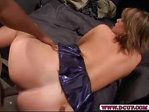 Picture Hot MILF Lisa Sparx Spreads Her Pussy Wide F...