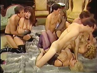 Hot retro tit orgy