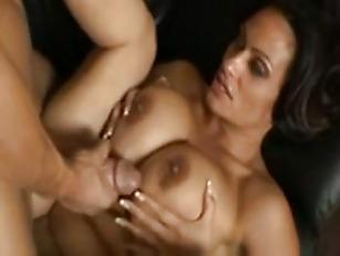 Кишка лезет и анала порно