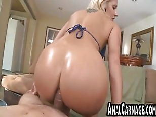 Blonde babe gets her tight ass