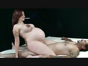 pregnant woman nude masturbation