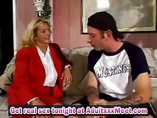 Milf fucks with athletic boy