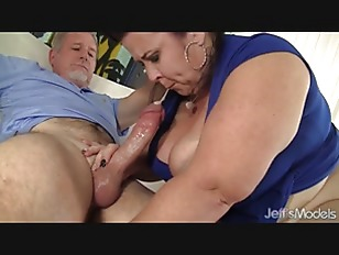 Picture Big Titted Mature BBW Lady Lynn Gets Her Pussy Dr...