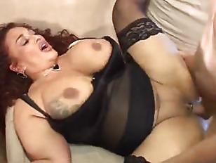 Порно оргии лезбиянок в клубе