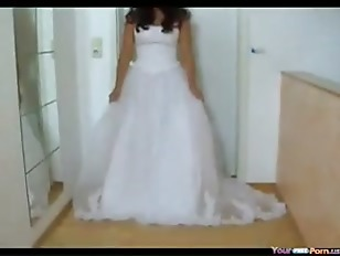 Amateur Bride Fucked in Weddin