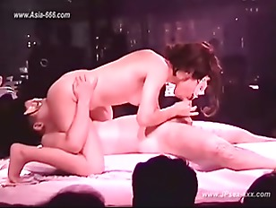 japanese strip club.4