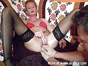Fist fucking the wifes huge cu