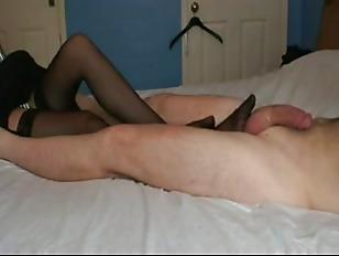 Порно с кривоногой брюнеткой