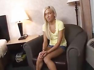 Какающие во время анального секса