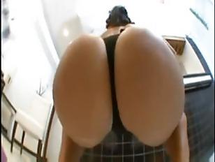 Picture Booty Bitch Got Skillz
