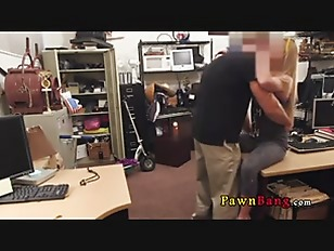 Picture Blonde Bimbo Tries To Sell Car 0021