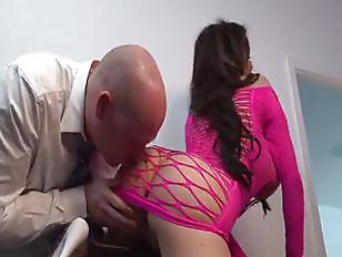 Порно видео жена с любовником муж сосет