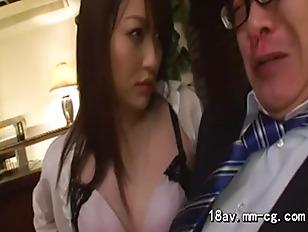 Порновидео большие предметы в пизде