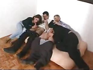 Частное домашнее видео страпон