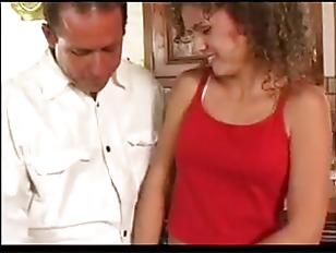 Порно муж завязал жене глаза и пустил по кругу