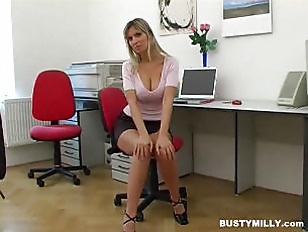 blonde showing her bigboobs
