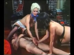 Русское порно жена унижение мужа с любовником