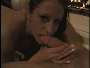 Порно заставила лизать пизду