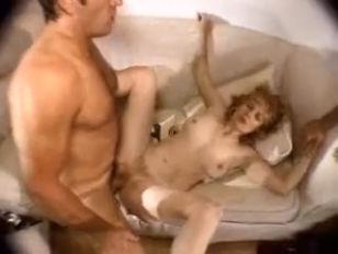 Пороно видео зрелая короткостриженая блондинка
