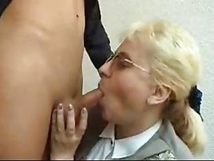 Секс страпон лесби